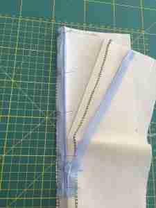 Tutorial come cucire una cerniera invisibile 10
