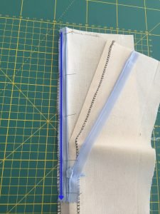 Tutorial come cucire una cerniera invisibile 11