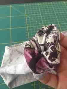Tutorial come confezionare una fascia turbante in 2 cuciture 11