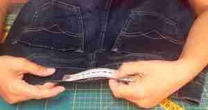 Come stringere i jeans in vita 2
